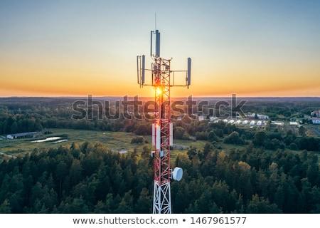 Telekommunikáció mobiltelefon torony hegy helyszín keret Stock fotó © olira