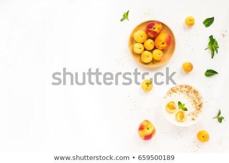 Nektarin tányér édes gyümölcs fehér felszolgált Stock fotó © stevanovicigor