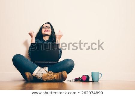 成功した 若い女性 こぶし アップ 笑みを浮かべて 受賞 ストックフォト © Aitormmfoto