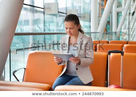 zakenvrouw · luchthaven · lobby · jonge · wachten - stockfoto © AndreyPopov