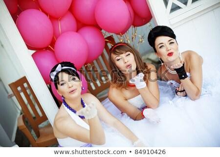 Pareja · beso · iglesia · boda · flores - foto stock © deandrobot