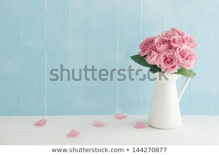 Aumentó ramo rosa flores hojas jarrón Foto stock © robuart