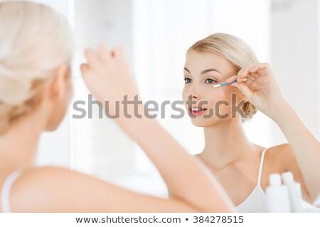nő · megjavít · smink · pamut · fürdőszoba · szépség - stock fotó © dolgachov
