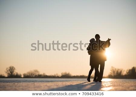 Homem maduro mulher dança fora amor homem Foto stock © IS2