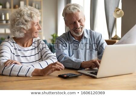 strony · doradca · finansowy · pióro · wskazując · dokumentu - zdjęcia stock © pressmaster