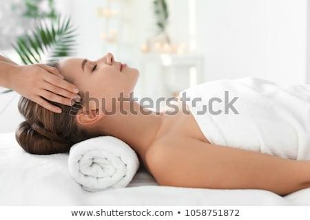 Spa-behandeling salon mooie vrouw bloem haren wachten Stockfoto © imarin
