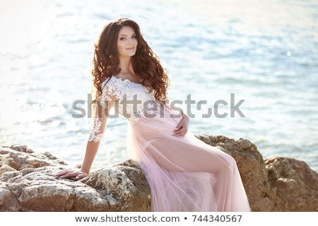 妊婦 · ビーチ · 幸せ · 笑みを浮かべて · 海 · 少女 - ストックフォト © victoria_andreas
