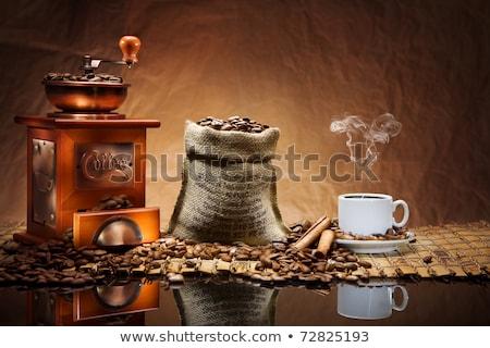 Kahve antika değirmen fincan öğütücü gıda Stok fotoğraf © rogerashford
