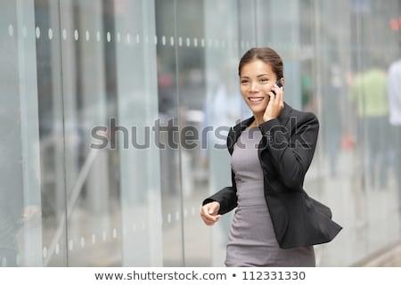 iş · kadını · yürüyüş · durum · bilgisayar · doğru · el - stok fotoğraf © elwynn