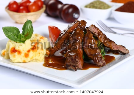 jugoso · filete · ternera · carne · de · vacuno · carne · tomate - foto stock © phila54
