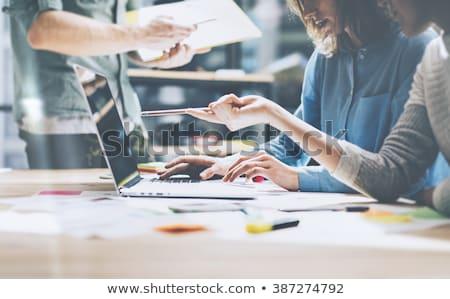 Zakenvrouw projectie computer personen business virtueel realiteit Stockfoto © dolgachov