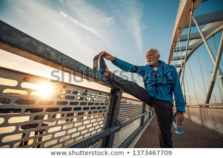 kıdemli · koşucu · eğitim · rekabet · gökyüzü · yol - stok fotoğraf © ivonnewierink