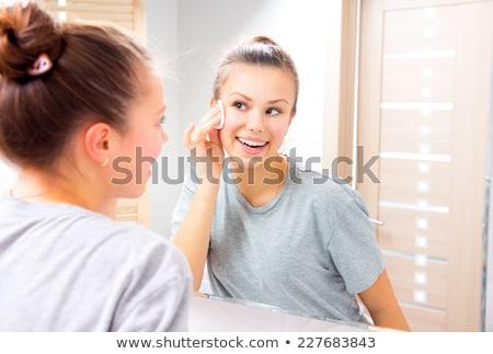 若い女の子 · 洗浄 · 皮膚 · 綿 · 慎重に · 頬 - ストックフォト © stryjek
