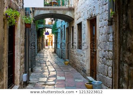 Keskeny utca város Valencia Spanyolország Stock fotó © smartin69