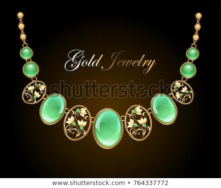 Colier aur oval pretios piatră Imagine de stoc © blackmoon979