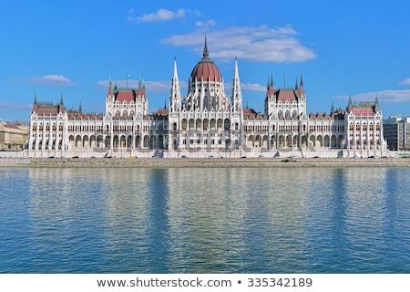 Budapest parlamento fachada iluminado nublado cielo Foto stock © Givaga