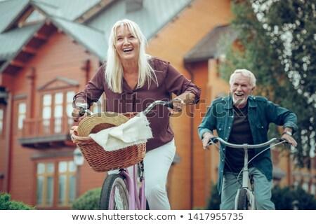 jonge · glimlachende · vrouw · fiets · vector · cartoon · geïsoleerd - stockfoto © robuart