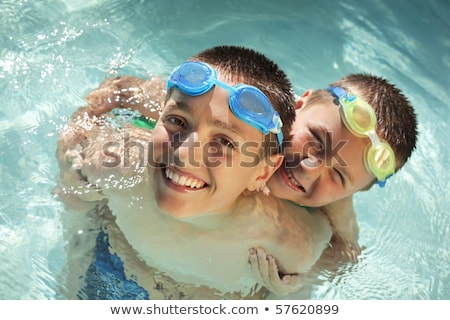 Boldog egészséges fitt aktív gyerekek gyerekek játszanak Stock fotó © godfer
