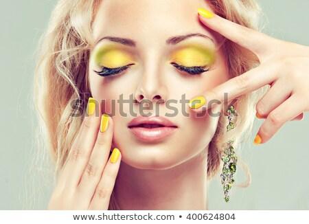 女性 · 明るい · マニキュア · 化粧 · クローズアップ · 肖像 - ストックフォト © feedough
