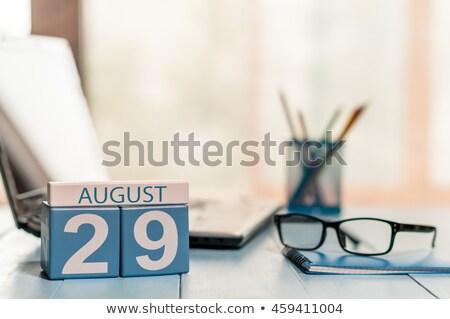 Cubos agosto rojo veinte blanco mesa Foto stock © Oakozhan