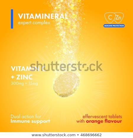 Pezsgő tabletta c vitamin víz szelektív fókusz egészség Stock fotó © dariazu