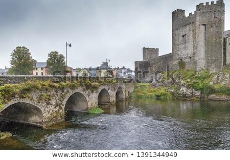 Brug stad Ierland kasteel muur reizen Stockfoto © borisb17