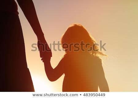 Moeder hand familie man handdruk Stockfoto © oly5