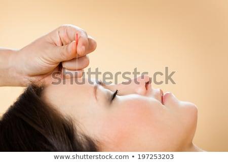Terapeuta acupuntura tratamiento cliente spa primer plano Foto stock © AndreyPopov