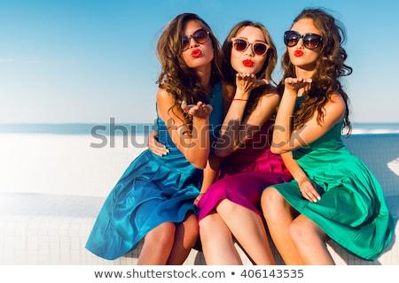 szexi · boldog · nő · piros · ruha · vásárlás - stock fotó © darrinhenry