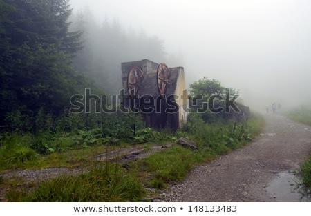 Foto stock: Velho · cabo · cabine · de · manhã · cedo · dente · névoa