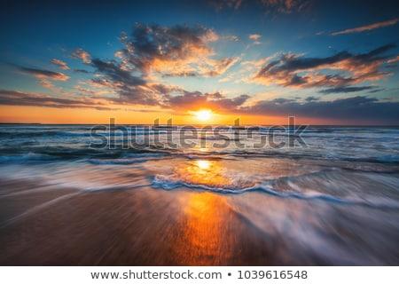Gyönyörű naplemente tenger sziluett boldog szörfös Stock fotó © Anna_Om
