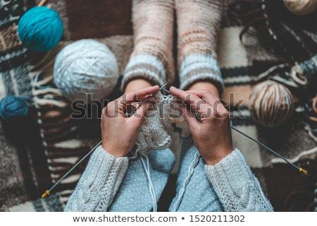 Vrouw benen wol gebreid sokken grijs Stockfoto © olira