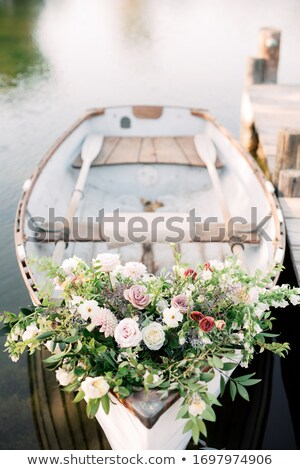 Witte roeiboot lege westerse Ierland water Stockfoto © t3mujin