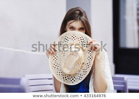 femme · cacher · visage · chapeau · communication · lèvres - photo stock © photography33