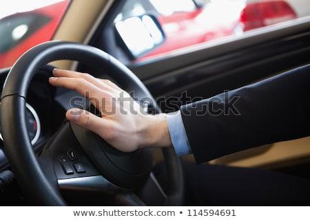 Man hoorn auto handel zakenman pak Stockfoto © wavebreak_media