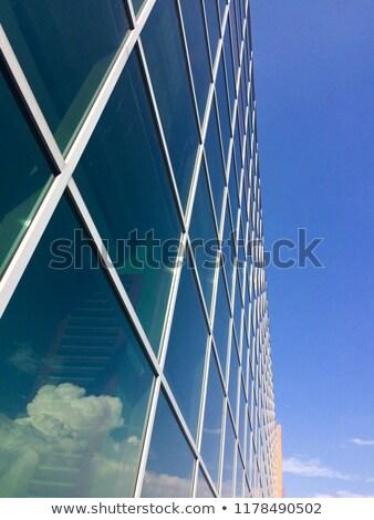 moderne · jachthaven · lang · appartement · gebouwen - stockfoto © eldadcarin