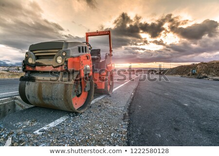 graafmachine · vrachtwagen · snelweg · bouwplaats · bouw · zand - stockfoto © stoonn
