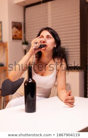 depresji · młoda · kobieta · posiedzenia · kuchnia · piętrze · uczucie - zdjęcia stock © nobilior
