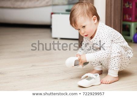 Porträt junge Mädchen aussehen unschuldig isoliert weiß Stock foto © deandrobot