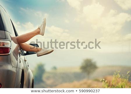 donna · cabriolet · auto · piedi · fuori · finestra - foto d'archivio © is2