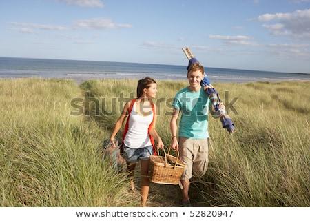 piknik · sepeti · yürüyüş · adam · çift - stok fotoğraf © monkey_business