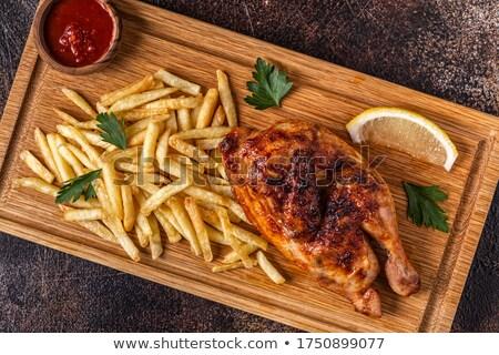 ぱりぱり ローストチキン フライドポテト 皮膚 鶏 プレート ストックフォト © Digifoodstock