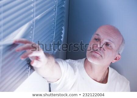 Oculto hombre fuera ladrones casa seguridad Foto stock © Giulio_Fornasar