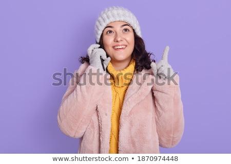 Vrouw pels wijzend weg bril Stockfoto © deandrobot