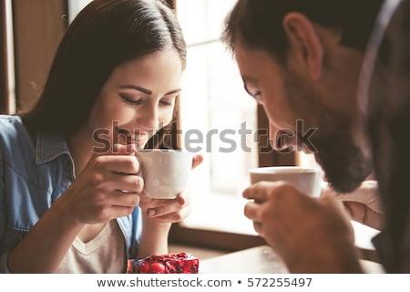 カップル · 飲料 · コーヒー · 読む · ノートパソコン · 魅力的な - ストックフォト © deandrobot