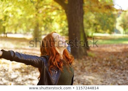 Stockfoto: Gelukkig · vrouw · bos · genieten · natuur · meisje