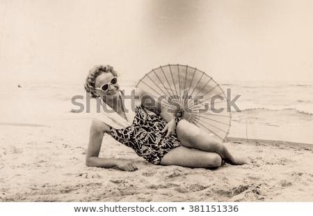 Mädchen Retro Badeanzug Schönheit Spaß Porträt Stock foto © IS2