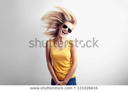 portret · gelukkig · jonge · toevallig · meisje · schreeuwen - stockfoto © deandrobot