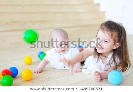 fratello · sorella · piccolo · ragazzo · ragazza · Daisy - foto d'archivio © dashapetrenko