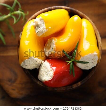 piccolo · caldo · rosso · pepe · crema · formaggio - foto d'archivio © ildi